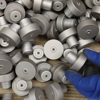 Preparazione e finitura pre e post trattamento superficiale dei metalli - Settore OLEODINAMICA E PNEUMATICA